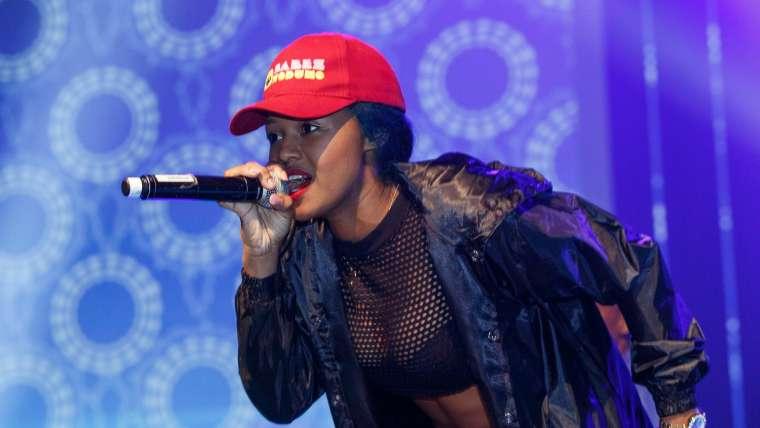 Otshwaleni Song and Lyrics by Babes Wodumo feat. Mampintsha & Drega)